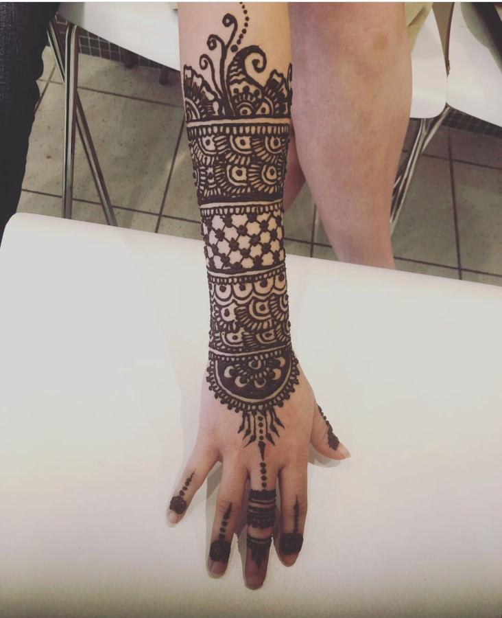 Henna Tattoos in Arlington & Bedford - Glam India Threading